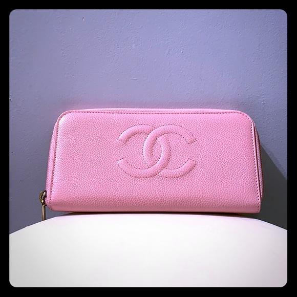 CHANEL Handbags - Chanel caviar wallet in PINK.
